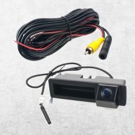 Auto Rückfahrkamera mit Distanzlinien in Griffleiste für Audi A3 A8 Q7 (2012-13)